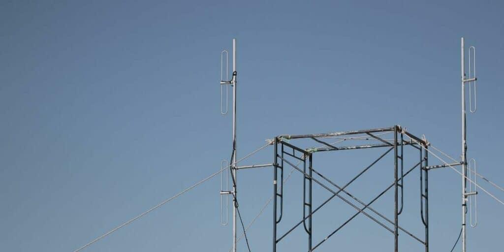 How Far Can Ham Radio Reach? (Distance & Settings)