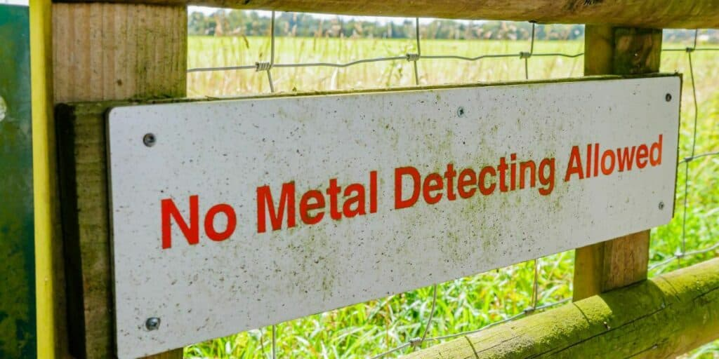 DO NOT METAL DETECT SIGN