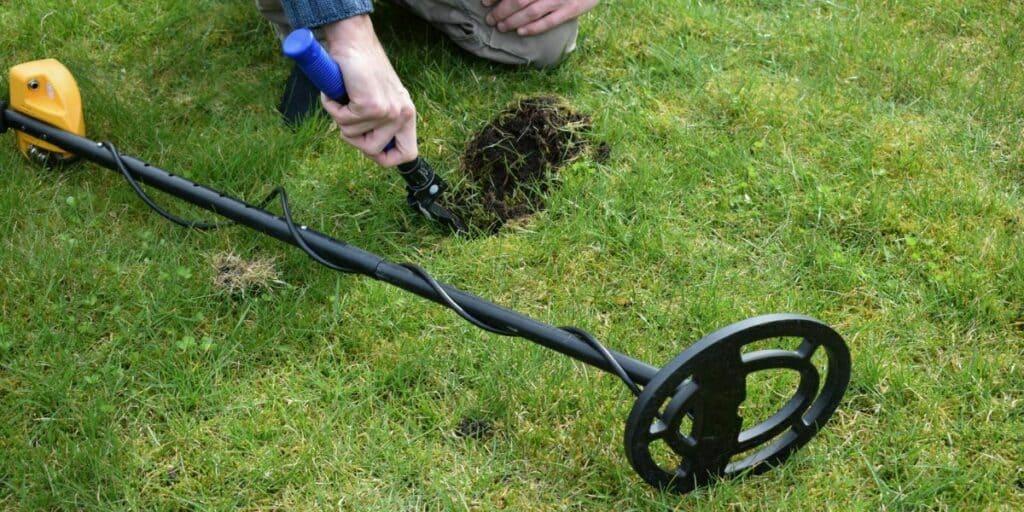 metal detecting digging